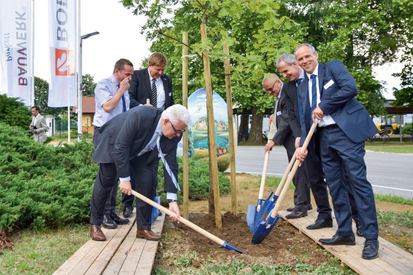 Boen Parkett Litauen : Bauwerk boen durdevac eroeffnung